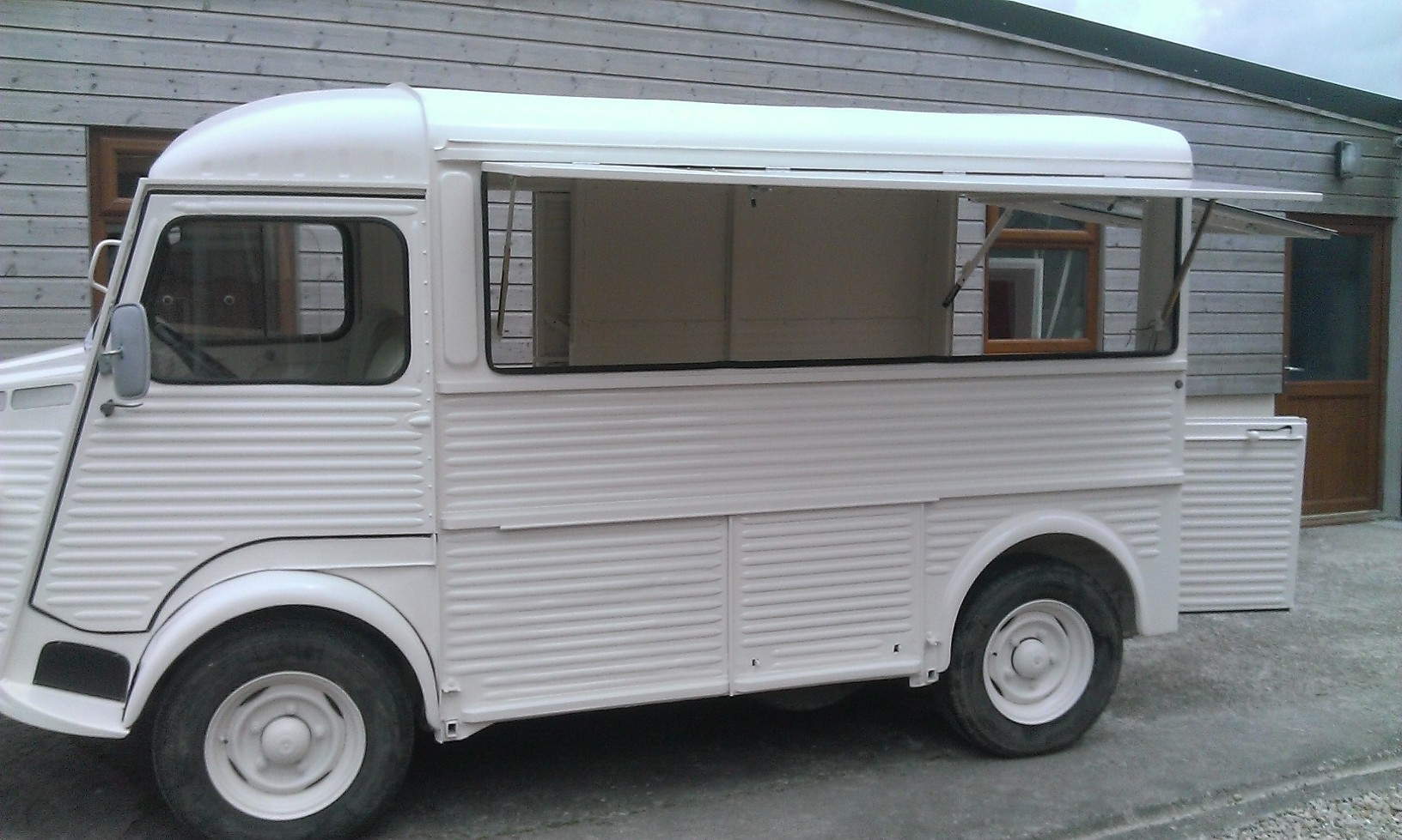 2017 Conversion Van >> Thinking of buying an Hy van to convert into a Commercial/food truck? - Le Tube Station - HY Vans